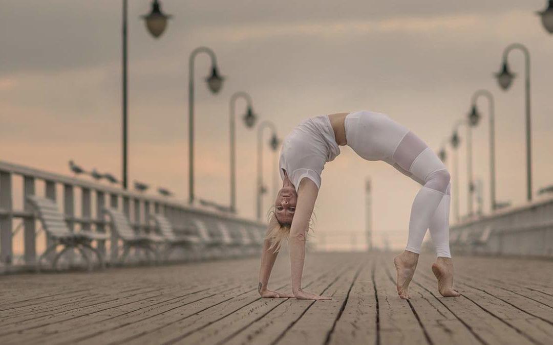 Yoga per la vita: il metodo Ashtanga Yoga come una potente pratica sostenibile. – Basia Lipska